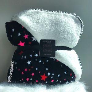•Victoria's Secret• Sherpa Blanket